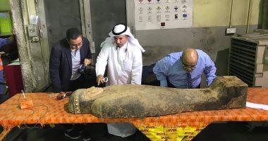 صور.. معاينة وفحص التمثال المضبوط فى الكويت للوقوف على حقيقة أثريته