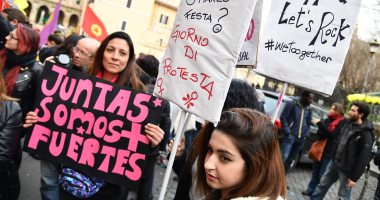 "صور.. حركة ""ME TOO"" تنظم تظاهرات ضد التحرش فى إيطاليا"