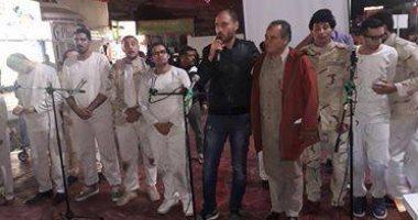 """فرقة مسرح السلام تعرض مسرحية """"ولاد البلد"""" بساحة السوق القديم بشرم الشيخ"""