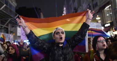 صور.. مظاهرات للمثليين فى تركيا للمطالبة بحقوقهم الجنسية