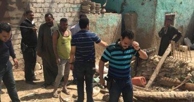 صور.. ضبط رقيب شرطة بتهمة التنقيب عن الآثار أسفل منزله بإسنا