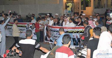 صور وفيديو.. انطلاق مسيرات حاشدة بالسيارات وعلى الأقدام لدعم السيسي بطور سيناء