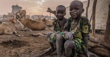 صور.. سكان فى جنوب السودان يقيمون معسكرات لرعى الحيوانات بموسم الجفاف