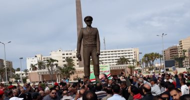 فيديو وصور.. تمثال عبدالمنعم رياض يعود لبورسعيد فى ذكرى الاحتفال بيوم الشهيد