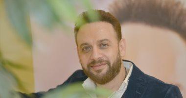 مصطفى قمر يبدأ التحضير لألبومه الجديد.. ويتعاون مع أحمد المالكى فى أغنية