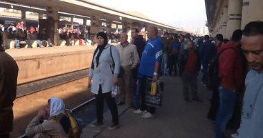 السكة الحديد تعتذر لركاب قطار 982 نتيجة تأخره بسبب عطل مفاجئ بالجرار