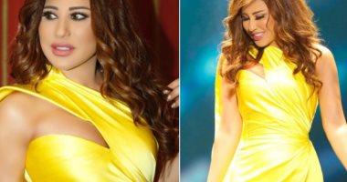 شمس الأغنية نجوى كرم تتألق بفستان أصفر من توقيع نيكول جبران