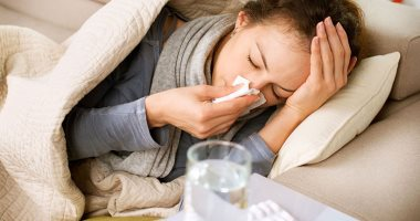 استخدم الطب البديل وعالج نزلات البرد بالغرغرة والبصل
