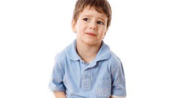 استخدم الطب البديل لعلاج عسر الهضم عند الاطفال بالأعشاب والفواكه