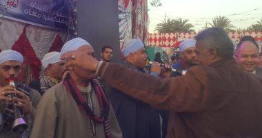 """صور.. """"الزفة الصعيدى"""" تستقبل حضور مؤتمر دعم الرئيس السيسى بالإسكندرية"""