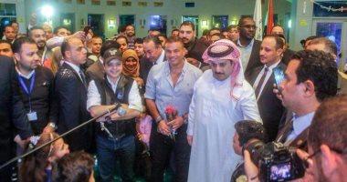 صور.. تركى آل الشيخ وعمرو دياب وهنيدى وحماقى يزورون مستشفى 57357