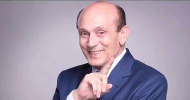 حاكم الشارقة يكرم محمد صبحى