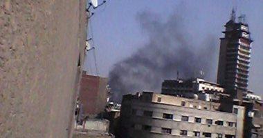 صور.. حريق بشارع الرويعى فى العتبة.. والحماية المدنية تحاول السيطرة على النيران