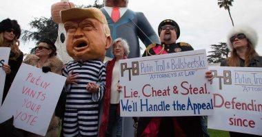 مظاهرات وإشارات بذيئة احتجاجا على زيارة ترامب لبيفرلى هيلز الأمريكية