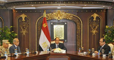 """السيسي يجتمع بقيادات الجيش والشرطة بمقر """"الداخلية"""" لبحث المستجدات الأمنية"""