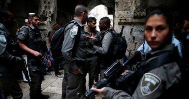 مستوطنون يقتحمون مبنى أثريا بالخليل بحماية الاحتلال الإسرائيلى