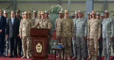 """السيسي لـ""""أبطال سيناء"""": أحنا ناخد النار فى قلوبنا ولا ينكوى بها مصرى واحد"""