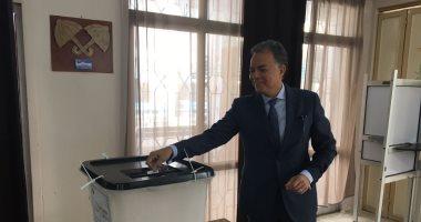 وزير النقل: الشعب المصرى مبهر ومشاركته فى الانتخابات رد قوى على المشككين