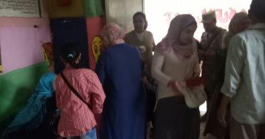 صور.. تزايذ إقبال الناخبين على صناديق الاقتراع بلجان عين شمس