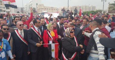 وفد السفارة العراقية يتفقد التصويت فى لجان الانتخابات بالزمالك