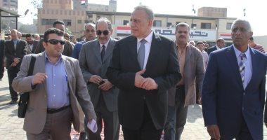 """محافظ الجيزة يوزع """"عيدية"""" على المرضى بمستشفى أم المصريين بالمنيب"""