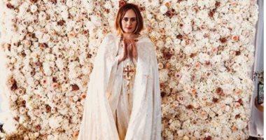 """سر ارتداء """"Adele"""" فستان أبيض بعد اختفاء اكثر من 3 شهور"""