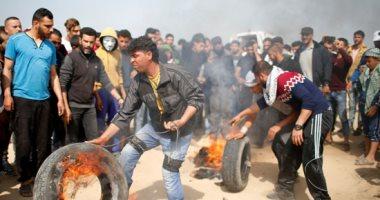 آلاف الفلسطينيين يحتشدون الشريط الحدودى آلاف الفلسطينيين يحتشدون الشريط الحدودى