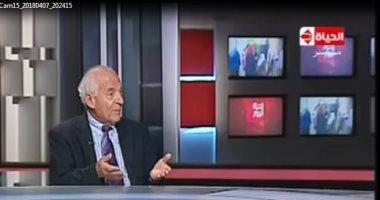 """فيديو.. فاروق الباز لـ""""خالد أبو بكر"""": """"كان لازم نعمل لإثيوبيا سد النهضة"""""""