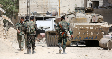 المعارضة المسلحة تفجر جسرين فى محافظة حماة لمنع تقدم الجيش السورى