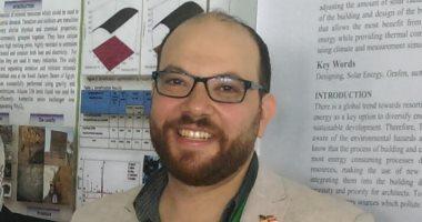 باحث مصرى يبتكر زجاجا ودهانات تقلل استهلاك الكهرباء وتطيل عُمر المبانى