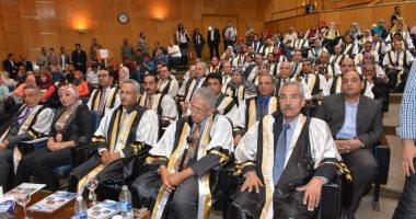 صور.. أسماء المكرمين فى عيد العلم بجامعة أسيوط والفائزين بجوائز علمية