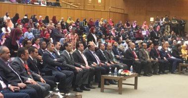 """صور..وزير التعليم العالى ومحافظ أسيوط يشهدان ختام برنامج """"أنت مراية نفسك"""""""