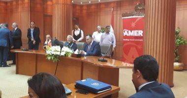 منصور عامر يوقع عقد إنشاء مشروع سياحى ببورسعيد باستثمارات 3 مليارات جنيه