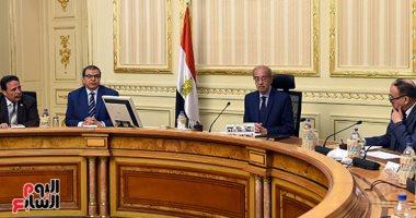 رئيس الوزراء للعمال: ما يحكمنا هو مصلحة مصر ونقدر دوركم الوطنى - صور