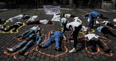 صور.. إضراب عشرات الممرضين فى فرنسا احتجاجا على سوء أوضاعهم