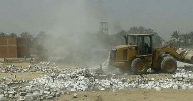 صور.. إزالة 22 حالة تعد على الأراضى الزراعية بالخانكة فى القليوبية