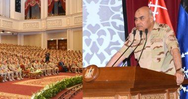 وزير الدفاع يلتقى الدارسين بالمعاهد التعليمية عبر شبكة الفيديو كونفرانس