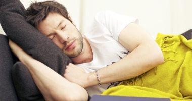 بتعانى من تنميل الأصابع أثناء النوم.. اعرف السبب والعلاج