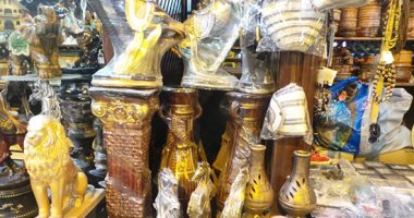 صور.. بازارات الفيوم تحكى عن إبداع المشغولات اليدوية بالمحافظة