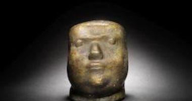 """شاهد تمثال صلاح جاهين لـ """"آدم حنين"""" قبل بيعه ببونهامز"""