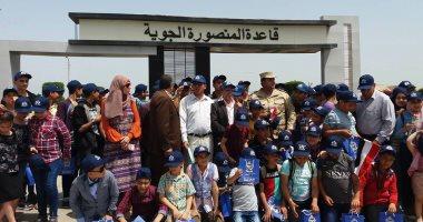 صور.. طلائع الدقهلية يزورون القاعدة الجوية بمطار شاوة