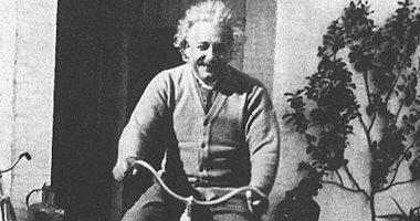 أينشتاين يقع فى الحب قبل الـ 20 من عمره.. الأولى مريضة نفسيا والثانية عرجاء