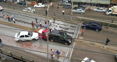 إصابة شخصين فى حادث تصادم سيارتين بطريق الكورنيش بالإسكندرية