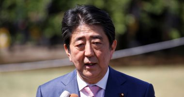 شاهد.. رئيس وزراء اليابان يصل إيران لأول مرة منذ 40 عاما