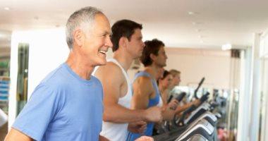 ممارسة الرياضة بانتظام قد يقلل من خطر الإصابة بالزهايمر لدى البالغين