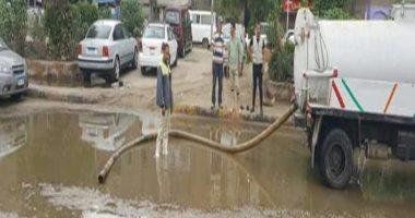 صور.. الحكومة تكثف جهودها لإزالة آثار مياه الأمطار بالمناطق المتضررة