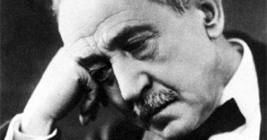 فى ذكرى ميلاده الـ150.. تعرف على روايات كتبها أمير الشعراء أحمد شوقى