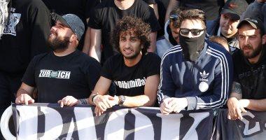 عمرو وردة يؤازر باوك من المدرجات فى نهائى كأس اليونان