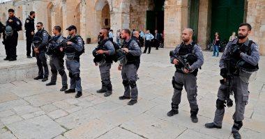 إصابة عشرات الفلسطينيين بالاختناق خلال اقتحام الاحتلال لبلدة فى نابلس