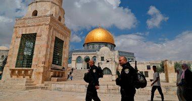 مستوطنون إسرائيليون يقتحمون ساحات الأقصى